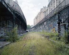 Paris, chemin de fer de la petite ceinture abandonné