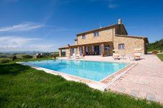 Villa Eleonora || www.sonnigetoskana.de || Italien - Toskana|| Pisa bei Casale Marittimo, 6 Schlafzimmer, Privater Pool, Klimaanlage. #tuscanyvillas #toskanavillen #italyvillas #italianvillas #holidayhomes #tuscanyholidayhomes #urlaub #reise #ferienhaus #vacation #luxuryvilla #luxusvilla #familienurlaub #italianvillasforrent #tuscanvillasforrent #mietenvilla #tuscanyvillaswithpool #tuscanyluxuryvilla #tuscanyholidayhomes #tuscanholidayvillas