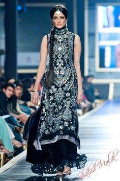 Nomi Ansari 2012 - Black & Silver Lengha