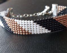 Loom beaded bracelet by Suusjabeads on Etsy
