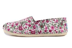 Visit our site and choose suitable painted Toms shoes for yourself.,