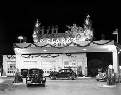1939 - J. L. Clark's Gulf Service Station, 1739 Fredericksburg Rd. Great Christmas decorations and great looking autos. (UTSA Special Collections)