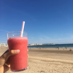 Après leffort le réconfort !  #zumba #dance #youtuber #youtubeuse #plage #eteindien #terrasse #soleil #smoothie #framboise #petitbonheur - from #rosalys at www.rosalys.net - work licensed under Creative Commons Attribution-Noncommercial - #Plus
