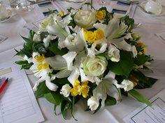 Wedding Flowers 1345 © Zara Dalrymple 2012 - http://herbigday.net/wedding-flowers-1345-zara-dalrymple-2012/