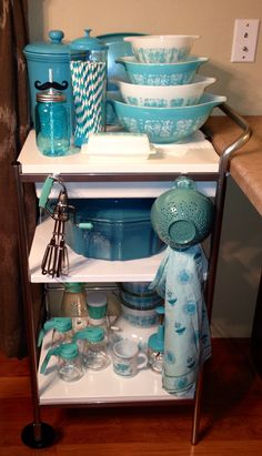 Vintage Kitchen Turquoise kitchen cart - the Pyrex. I need the turquoise Pyrex! - I've always wanted a minty vintage kitchen cart.this ikea find is what I've settled on for now. Vintage Kitchenware, Vintage Dishes, Vintage Glassware, Vintage Pyrex, Vintage Canisters, Vintage Dinnerware, Vintage Bowls, Vintage Tins, Vintage Decor