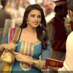 """I play a sensible, sorted girl in Shuddh Desi Romance:- Parineeti Chopra  Shuddh Desi Romance promos and songs may be showing Parineeti Chopra as a chirpy young girl, but actually she plays a quiet and sensible girl in the movie, coming out on September 6.  She said that in the promos, she can be seen as a """"happyy"""" and """"bubbly"""" girl, """"but in the film I am playing a completely different person""""."""