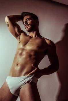 Daniel Sisniega by Damian Garcia | Homotography