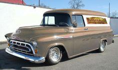 57 Chevy Trucks, Chevy Hhr, Gmc Pickup Trucks, Classic Chevy Trucks, Old Classic Cars, Gm Trucks, Cool Trucks, Station Wagon, Trucks Only