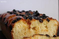 Hoy un bizcocho fácil fácil, sin ninguna complicación, pero que está buenisimo para el desayuno o la merienda.  Ingredientes  · 400 gr. Harina de fuerza. · 250 gr. Queso ricotta. · 180 gr. Mantequilla. · 200 gr. Azúcar. · 3 Huevos entero. · 1 Sobre de levadura Royal. · 1 Vaina [...] Queso Ricotta, Sponge Cake, Recipe For 4, Raisin, Banana Bread, Cupcake Cakes, Pie, Sweets, Desserts