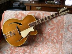 I'm assuming this is a Hofner.