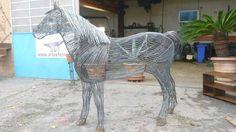 Cavallo in ferro+battuto+scultura
