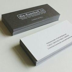 Visitenkarte mit Hochprägung, Kaschierung von Papier in grau und weiß - projektperle.de