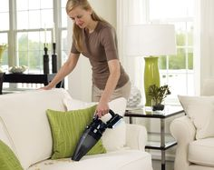 The 20V MAX* Lithium Hand Vac with Removable Battery ( BDH2000SL) offers power in a lightweight design. Offering the versatility of a removable battery and an innovative, ergonomic handle, this compact vacuum allows users to tackle large messes with ease.