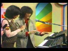 YMO、松武秀樹とシンセサイザー MOOG(タンス) 2003年 - YouTube