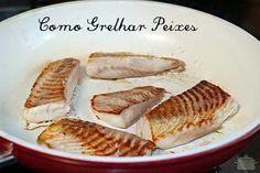 Peixe branco (qualquer filé) é mais delicado e perecível do que carne vermelha ou frango, então eu deixo temperado na geladeira no máximo de um dia para o outro. Não gosto de usar tempero forte, us…
