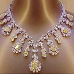 Mm_diamondsjewellers. Extraordinary yellow and white diamond necklace. Magnificent jewel. Astonishing colour. Spectacular stones. Princely gift. #diamonds #diamond #necklace