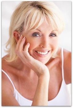 Fade Age Spots, Reduce Fine Lines and Wrinkles With this Anti-Aging Oil // deliciousobsessions.com #anti-aging #rosehipseedoil #wrinkles