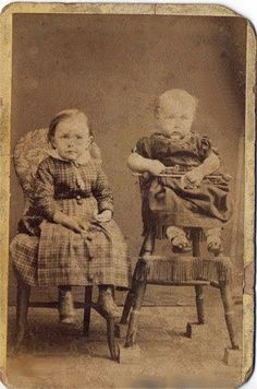 paranormal and psychic happenings: Ghost between the two children my gt grandfather Ghost Hauntings, Second Child, Happenings, Great Books, Paranormal, Ghosts, Ufo, Creepy, Mystery