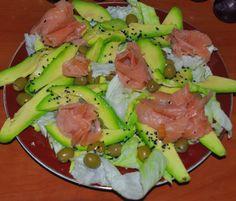 w mojej kuchni: łosoś, awokado, cytryna -- Zdrowa sałatka