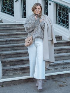 Winter Whites - so trägst Du Weiß im Winter - Winter Outfits, Basic Outfits, Different Styles, Chic, Fashion, Winter White, Styling Tips, Suede Fabric, Fashion Trends