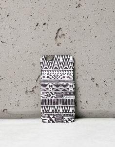 Bershka Bulgaria  - Black and white ethnic iPhone 6 case
