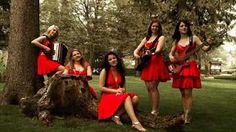Die Twinnies - Bayernmädels - 2 Girls playing steirische harmonika on… Songs For Dance, Film Gif, Polka Music, Art Populaire, Bluegrass Music, Light Music, 2 Girl, Enjoy Your Life, My Favorite Music