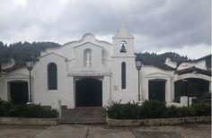 Capilla cerca a La Fe, Antioquia Cali Colombia, Mansions, House Styles, Home Decor, Faith, Viajes, Decoration Home, Manor Houses, Room Decor