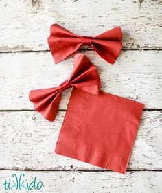 Bow Tie Napkins Tutorial for the Doctor Who Party | Tikkido.com