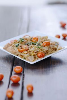The Only Drunken Noodles Recipe You'll Ever Need - Giada de Laurentis Thai Dishes, Pasta Dishes, Mushroom Chicken Crockpot, Thai Drunken Noodles, Thai Noodles, Rice Noodles, Asian Recipes, Ethnic Recipes, Asian Foods