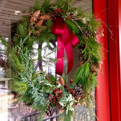 Toronto Gardens: My foraged wreath with My Luscious Backyard