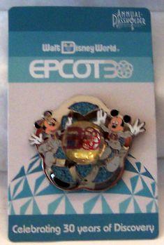 Disney WDW Mickey Minnie Epcot Anniversary Annual Passholder Pin New Disney Trading Pins, Disney Pins, Walt Disney, Disney Pin Collections, Disneyland Pins, Epcot Center, Disney Jewelry, Mickey Ears, 30th Anniversary