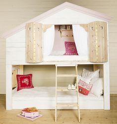 Helles Haus Bett