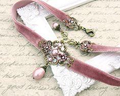 Swarovski Crystal Beads, Swarovski Pearls, Velvet Ribbon, Pink Velvet, Cute Jewelry, Jewelry Accessories, Ribbon Choker, Dusty Pink, Dusty Rose