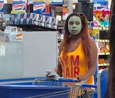 Things You See In Walmart On The Weekend (16 Photos)