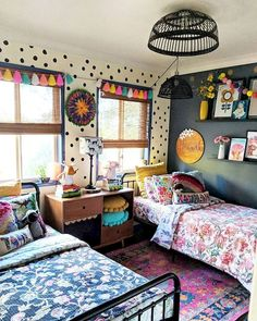 42 Fascinating Shared Kids Room Design Ideas - Planning a kid's bedroom design can be a lot of fun. It can also be a daunting task as you tackle the issue of storage and making things easy to clean. Cool Kids Bedrooms, Kids Bedroom Designs, Kids Room Design, Girls Bedroom, Bedroom Decor, Girl Nursery, Modern Bedroom, Shared Kids Rooms, Shared Bedrooms