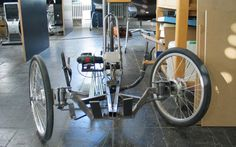Rennholz trike runs on electric power drill - Images