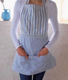 Button-down apron made from recycled shirts- now I know what to do with all of my husband's old shirts! Sewing Aprons, Sewing Clothes, Diy Clothes, Men's Shirt Apron, Bib Apron, Umgestaltete Shirts, Dress Shirts, Casual Shirts, Recycled Shirts