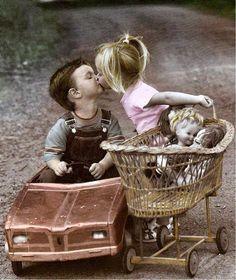 Raindrops and Roses Precious Children, Beautiful Children, Beautiful Babies, Funny Kids, Cute Kids, Cute Babies, Sweet Pic, Sweet Couple, Kids Kiss