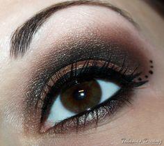 Brown smokey eyes, more photos http://www.talasia.de/2012/10/18/sultry-thursdaybrown-smokey-eyes/