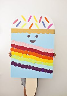 DIY Giant Ice Cream Popsicle Craft. Cute summer craft for a party or to celebrate summer!