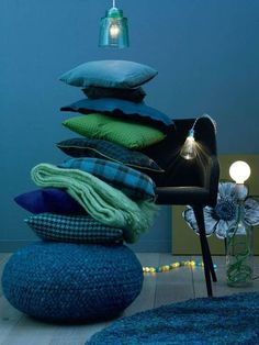 <3 decorative pillows blues and greens
