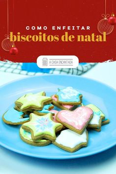 Quer aprender a decorar biscoitos de Natal? Eu te ensino como! A receita é super fácil e versátil de fazer. Você pode deixar a imaginação fluir e usar a criatividade para presentear as pessoas queridas em pequenas porções com uma lembrancinha. Acesse e confira o passo a passo completo.  #receitafacil #receitadenatal #receitasnatalinas #biscoitosdenatal #biscoitosnatalinos #biscoitosdecorados #comidacaseira #presentedenatal #façavocemesmo #acasaencantada Tacos, Mexican, Ethnic Recipes, Blog, Decorate Cupcakes, Decorated Cookies, Homemade Desserts, Holiday Desserts, Light Appetizers