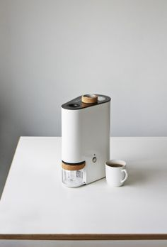 Ikawa is a minimalist coffee roaster designed by London-based designers Andrew Stordy and Rombout Frieling.
