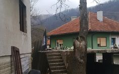 La bandiera nera di Isis in un villaggio salafita bosniaco