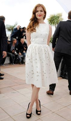 Isla Fisher in a lovely Dolce & Gabana white eyelet dress at the Cannes 2013 'The Great Gastby' photo call