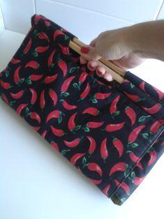 porta travessa de tecido em patchwork (tecido pimenta) - ART Dea artesanatos