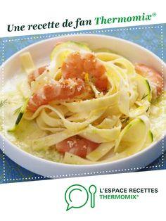 Pâtes sauce courgette et gambas au citron par thermomix. Une recette de fan à retrouver dans la catégorie Pâtes & Riz sur www.espace-recettes.fr, de Thermomix<sup>®</sup>.