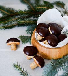 How cute are these Walnut Mushroom Cookies?