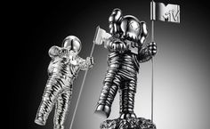 VMAs 'Video Of The Year' Nominees To Be Announced On Instagram, Vine   MTV Video Music Awards