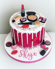 Make up cake for the lovely Skye - Nail, Nails Makeup Birthday Cakes, Girly Birthday Cakes, 14th Birthday Cakes, Birthday Cakes For Women, Fondant Cakes, Cupcake Cakes, Teen Cakes, Make Up Cake, Birthday Cake Decorating